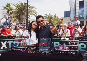 Extra TV – Win It! Win 1 of 5 Foster Grant sunglasses