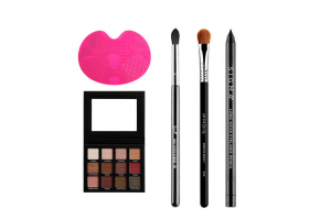 EXTRATV – Sigma Beauty Gift Set – Win Sigma Spa Brush Cleaning Mat ($35) E45 Small Tapered Blending Blush ($16) E60 Large Shader ($17) Long Wear Eyeliner Pencil – Wicked ($15) Warm Neutrals Eyeshadow Palette